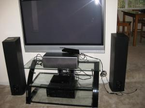 Stand is pulled out, Xbox is gone. They left the Kinect. That could be telling, or perhaps criminals are just idiots?
